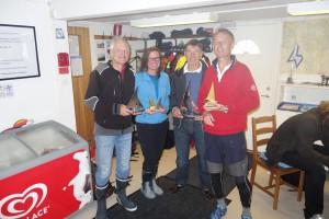 Pristagare i 2015 års Skepparkanna och Kräftkör. Från vänster: Hugo Norell (2:a och 10:a), Sarah Fidler (4:a och 3:a), Hans Caspersson (1:a och DNF) samt Johan von Otter (25:a och 1:a)